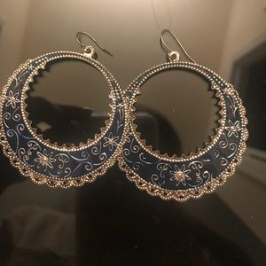 Jewelry - Boutique style earrings. Silver and navy blue.